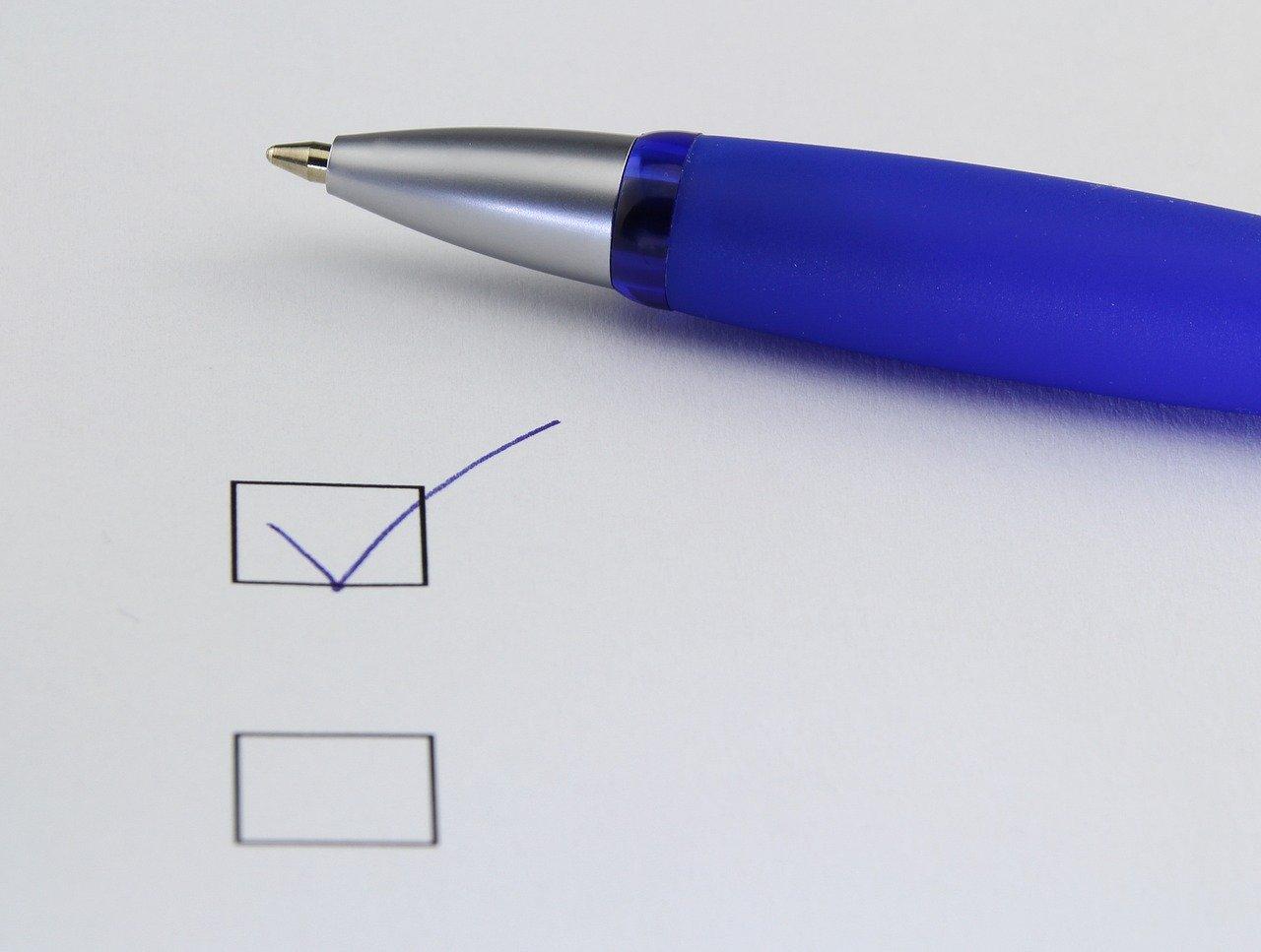 チェックボックスとボールペン